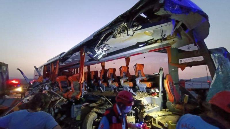 Soma'da katliam gibi kaza, çok sayıda ölü ve yaralı var