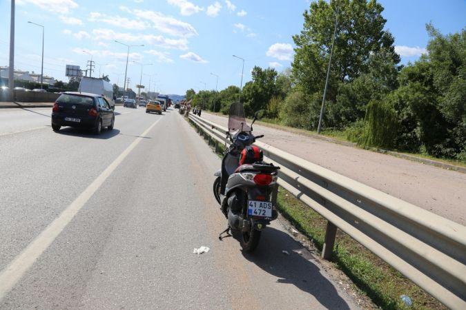 Motosikletten yola savruldu!
