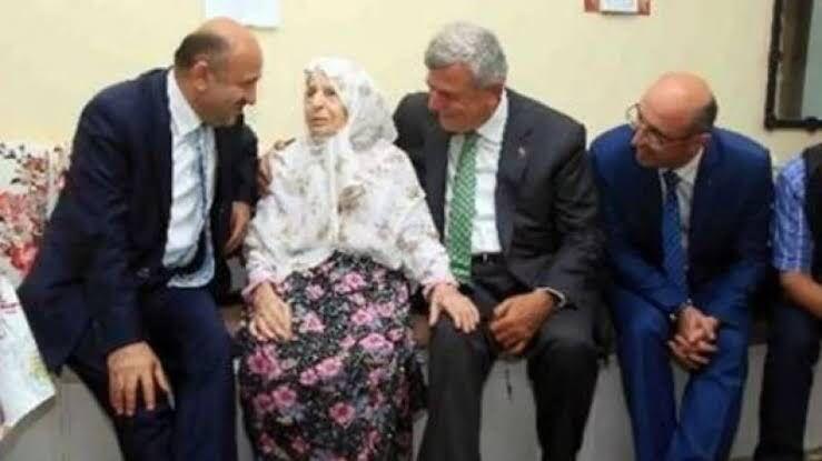 Karaosmanoğlu'nun annesi vefat etti