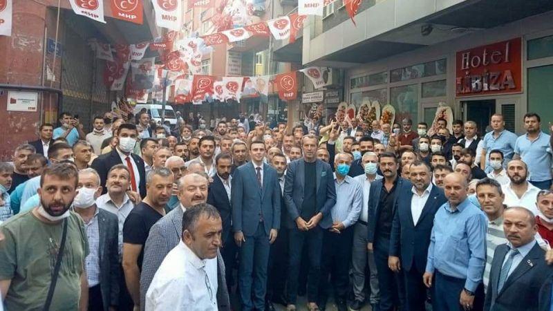 MHP Gebze ve Darıca'da şov yaptı