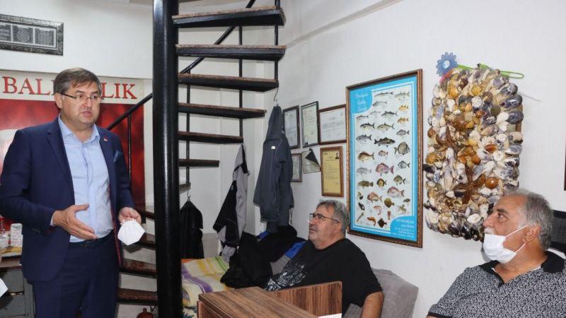 CHP Kocaeli ilk mezatta balıkçıları yalnız bırakmadı