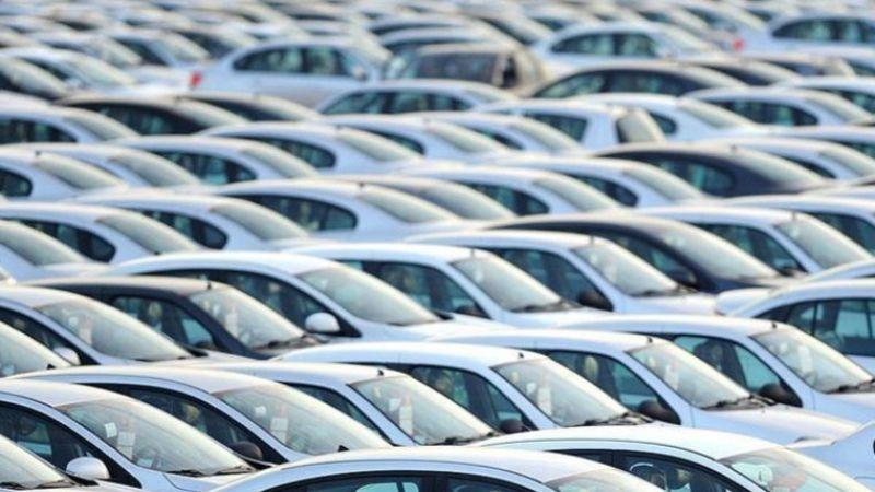 Otomobil pazarı tam gaz geriye gitti