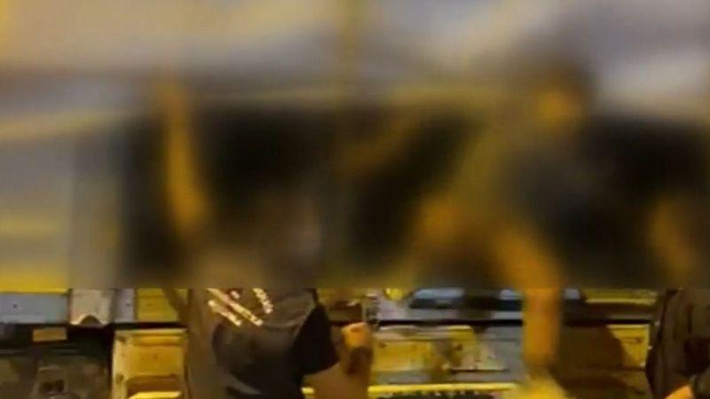Durdurulan tırın dorsesinden 112 kaçak göçmen çıktı!