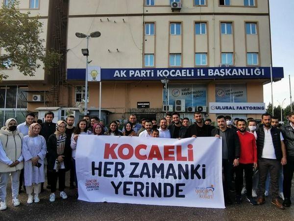 AKP'li gençler şenliğe gitti