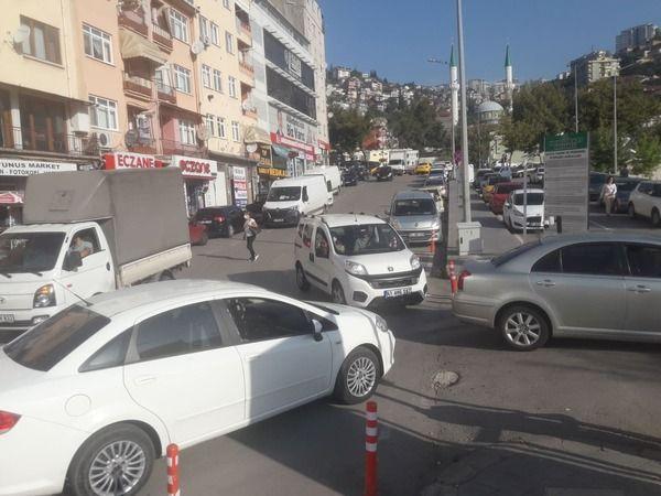Kocaeli Devlet'te otopark krizi! Trafik oluşuyor