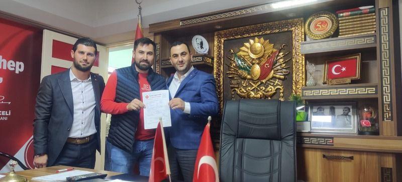 İki İYİ Partili daha MHP'ye döndü!