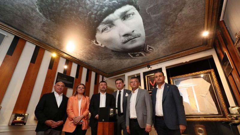 CHP'nin önemli isimleri Atatürk Evi'ne hayran kaldı