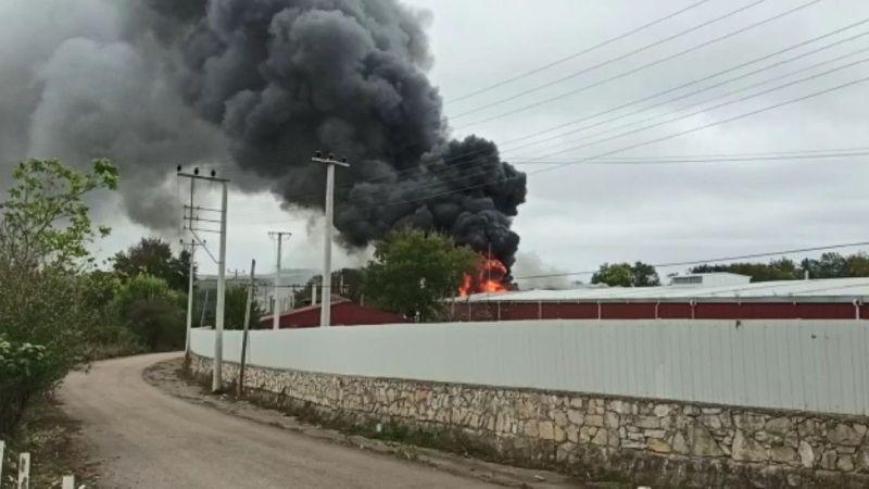 Raf fabrikasındaki yangın korkuttu