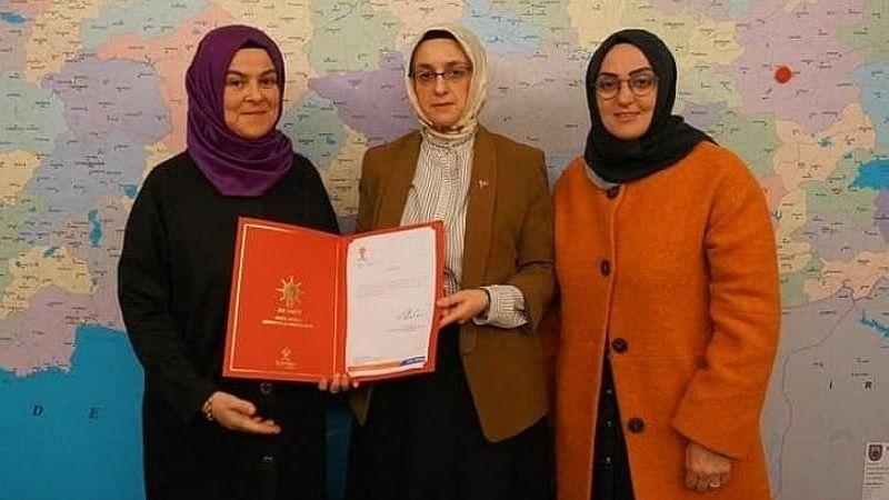 Ak Parti İlçe Kadın Kolları Başkanı İstifa Etti!