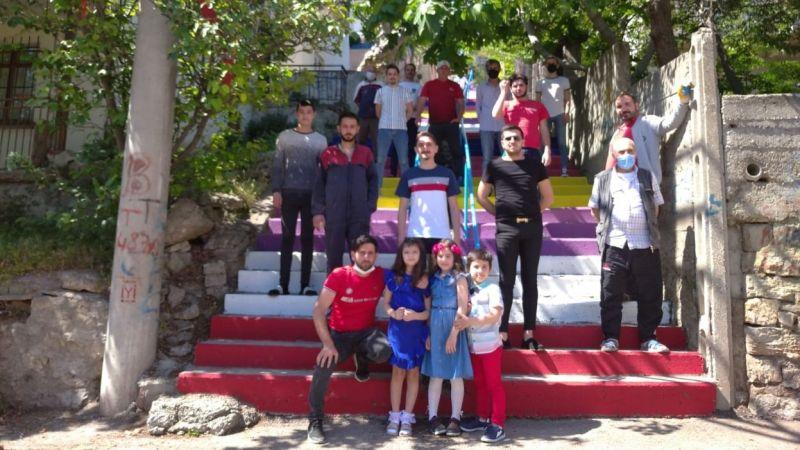 Kocaeli Haber - Merdivenler Boyanıyor İzmit Rengarenk Oluyor