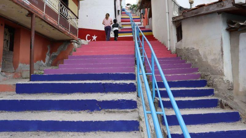 Kocaeli Haber -İzmit'te Merdiven Boyama Akımına Hacıhızır'da Katıldı