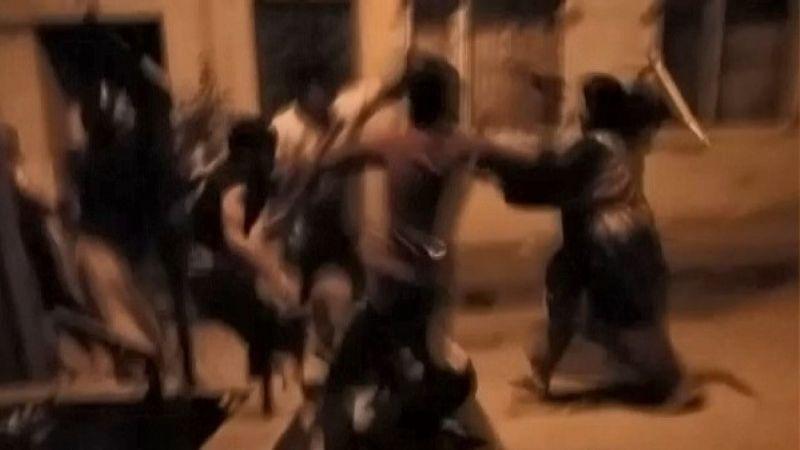 Çocukların Kavgasına Aileler Karışınca Tekmeler ve Sopalar Havada Uçuştu