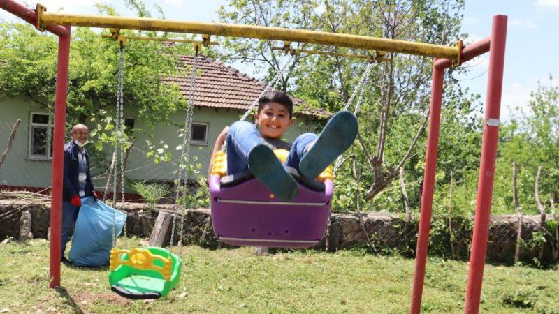 Kocaeli Haber - İzmit Belediyesi Köylerde Parklar Elden Geçiriyor