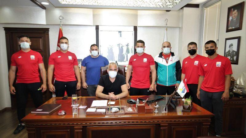 Kocaeli Haber - Yıldırım Güreşçileri Kumluca'ya Uğurladı