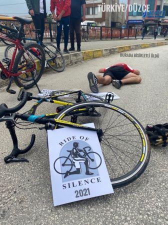 Bisikletçilerden dikkat çeken etkinlik