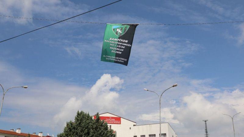 Kocaeli Haber - İzmit'te Kocaelispor Bayrakları Dalgalanmaya Devam Ediyor