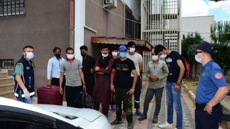 Kocaeli Haber - 15 Göçmenin Yakalandığı Operasyonda Ele Geçirilen Tulumlar Şaşırttı
