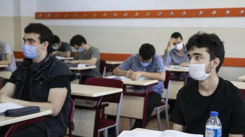 Liselerde Bu Yıl Sınıfta Kalmak Yok