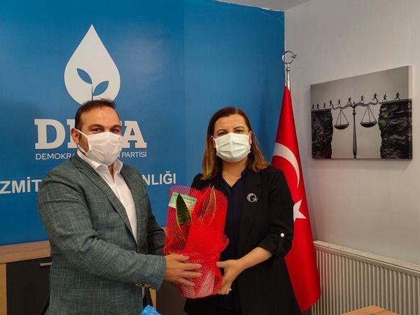 Fatma Kaplan Hürriyet'ten Deva Partisi'ne İadeyi Ziyaret
