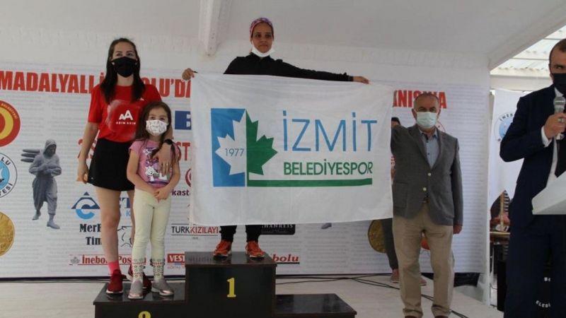 Kocaeli Haber - İzmit Belediyesporlu Hasnaa Türkiye Şampiyonu Oldu