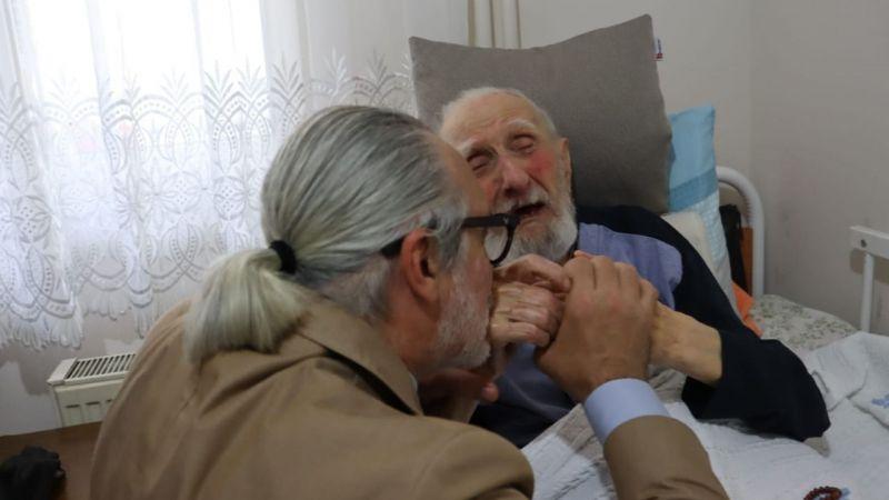 Kocaeli haber- İzmit Belediyesi, Babalar Günü'nde İzmit'in en yaşlı babasını unutmadı