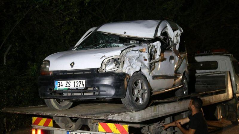 Kocaeli Haber - Park Halindeki Tıra Çarpan Hafif Ticari Aracın Sürücüsü Ağır Yaralandı