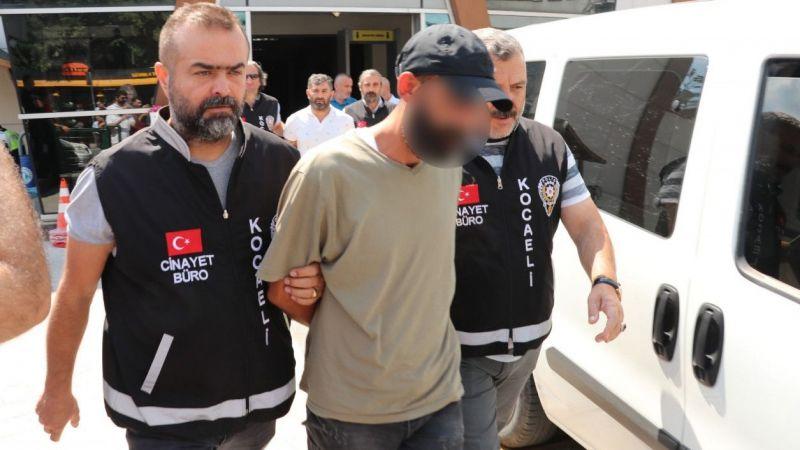 Kocaeli Haber - Korkuyla Araç İçine Saklanan Kadını Öldüren Zanlıya Müebbet Talebi