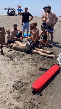 Denizde boğulma tehlikesi geçiren 2 kişi kurtarıldı