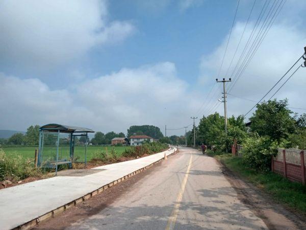 Kırsal mahallelerde yaya yolu çalışmaları devam ediyor