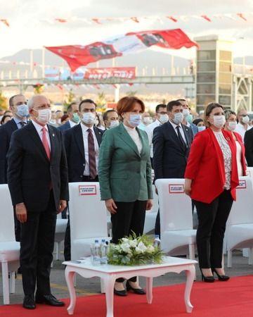 Genel başkanlar ve büyükşehir başkanlarından Hürriyet'e 'özel' kutlama