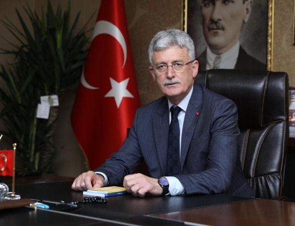 Mehmet Ellibeş, İzmit'in düşman işgalinden kurtuluşunun 100.yılını kutladı