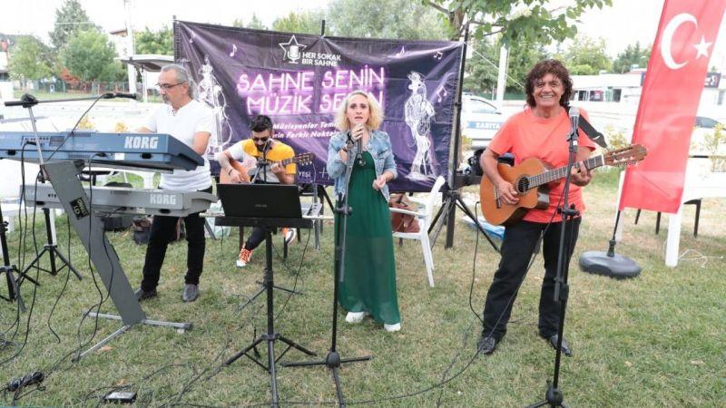 Kocaeli Haber - Gülümse Kafe'de yerel müzik ziyafeti