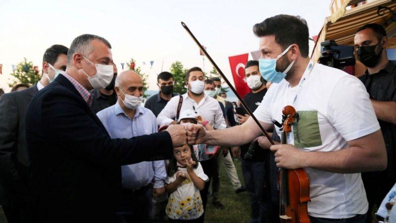 Kocaeli Haber - Büyükşehir yerel müzisyenlere desteğe devam ediyor