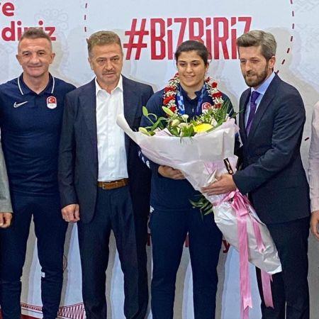 Trabzonlular'dan Olimpiyat şampiyonuna coşkulu karşılama