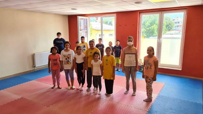 Başkan Kılıç, yaz spor okullarındaki karatecilerle bir araya geldi