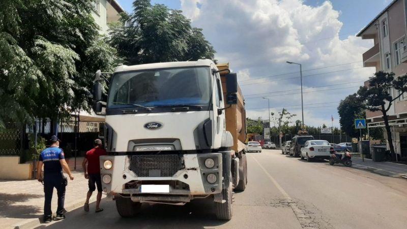 Kocaeli Haber - Mahalle içindeki tır parklanmalarına ceza
