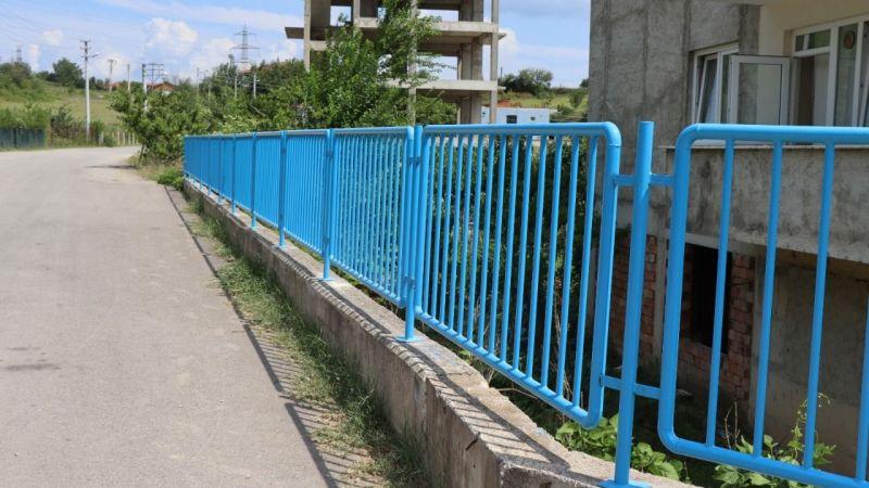 Kocaeli Haber -Alikahya'da tehlike yaratan duvara demir korkuluk yapıldı