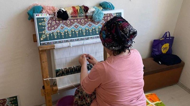 Kocaeli Haber -İzmitli kadınların alın teri ipek halıya dönüşüyor