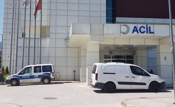 Otel havuzunda hareketsiz bulunan yaşlı adam hastanede hayatını kaybetti