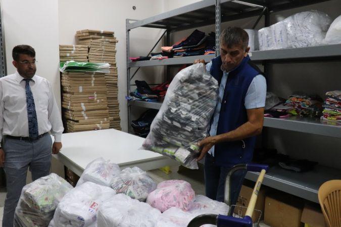 Düzce Belediyesinden selzedelere giyecek ve gıda yardımı