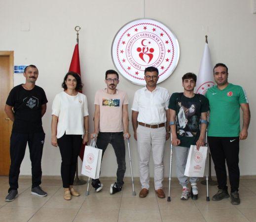 Başarılı halterciler Yazıcı'yı ziyaret etti