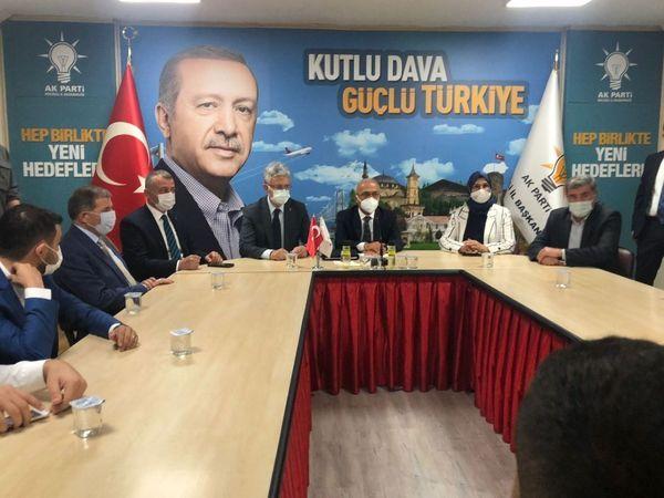 Kocaeli Haber - Bakan Elvan, AK Partililer ile Buluştu