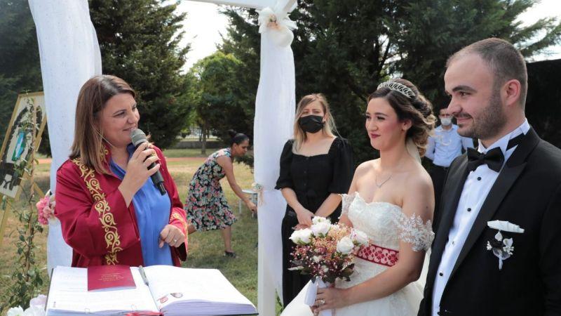Kocaeli Haber - Hürriyet  Gülümse Kafe'deki ilk nikahını kıydı