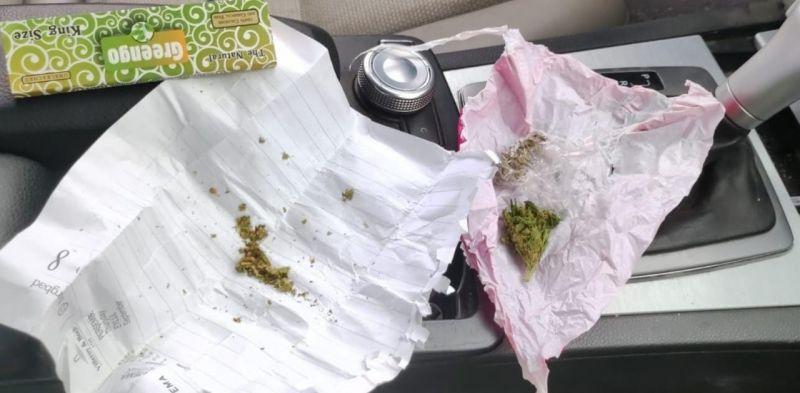 Yol kontrolünde uyuşturucu ile yakalandılar