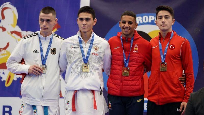 Kocaeli Haber - Karateciler Avrupa şampiyonasından 4 madalya ile döndü