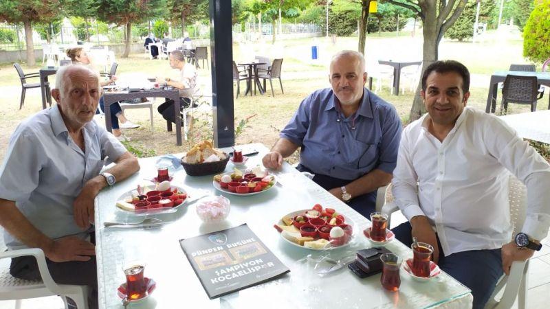 Kocaeli Haber - Kocaelispor Bilgi Yarışması'nın ardından Köfteci İbo ve Albayrak kahvaltıda buluştu