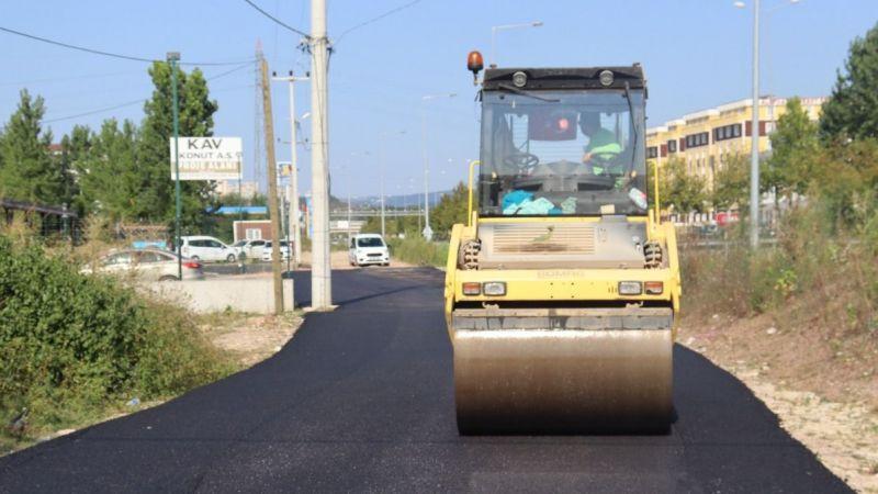 Kocaeli Haber - İzmit Belediyesi Yenişehir'deki toprak yolu asfaltla buluşturdu