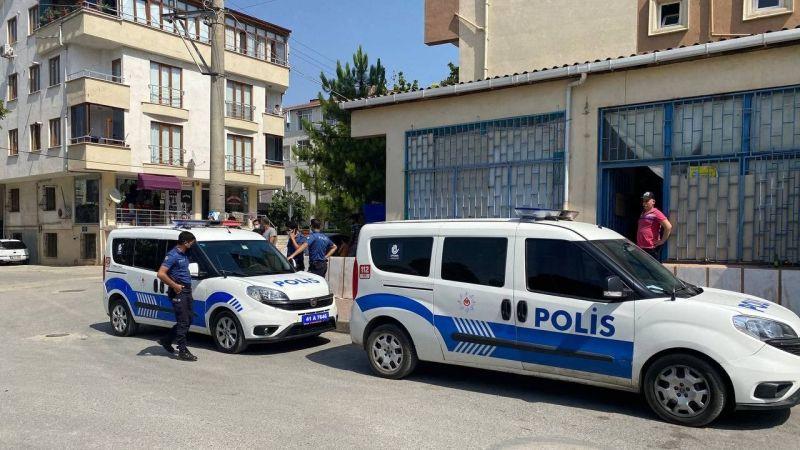 Kocaeli Haber -Tartıştığı Dükkan Sahibini Falçatayla Yaraladı