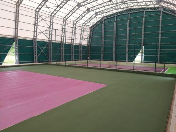 Tenis kortunda hazırlıklar sürüyor