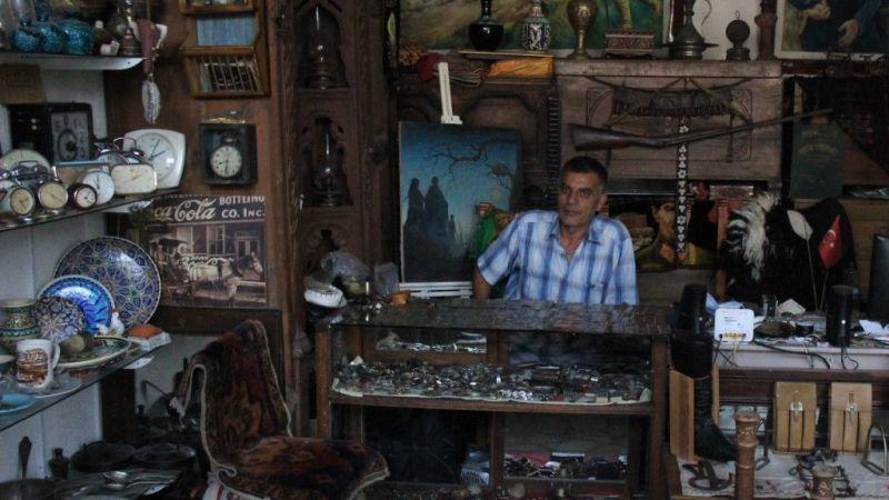 Kocaeli Haber - Merakı Antika Dükkanı Açtırttı